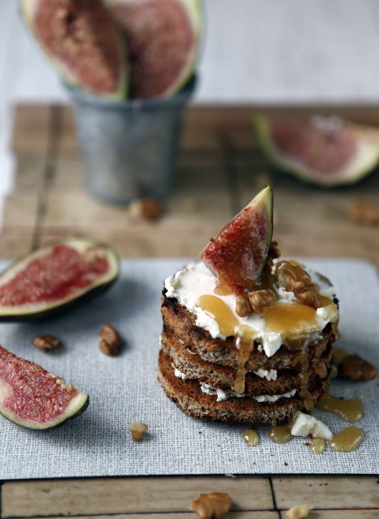 figs and goat cheese honey tower