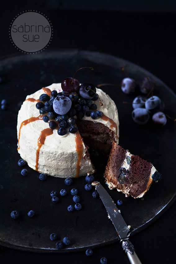blueberry chocolate cake with baileys caramel