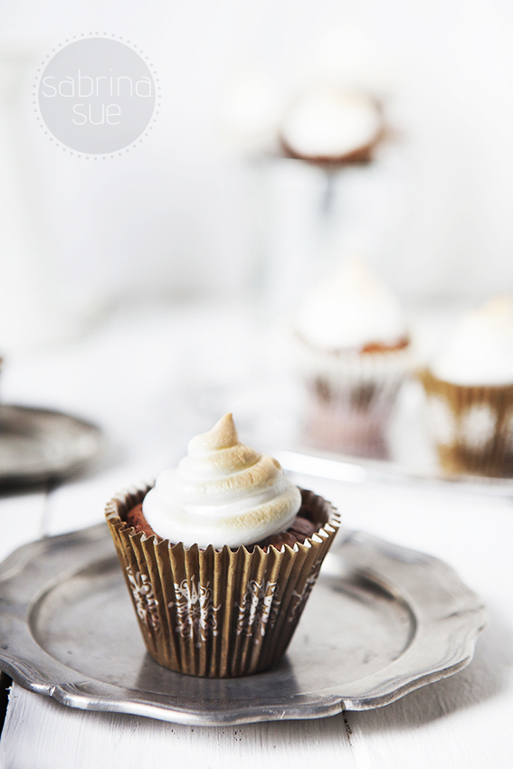Sweet Kisses - Brownie Baiser Cupcakes