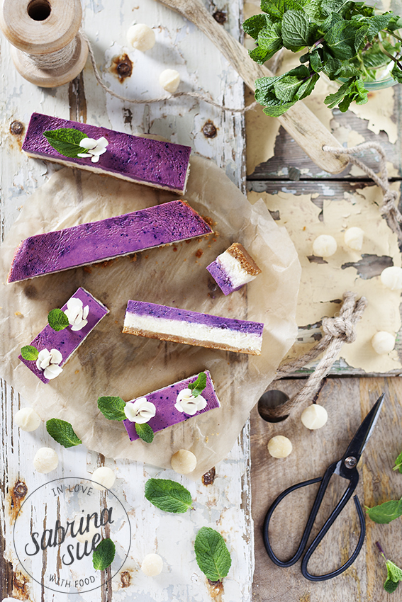 macadamia blueberry cheesecake bars