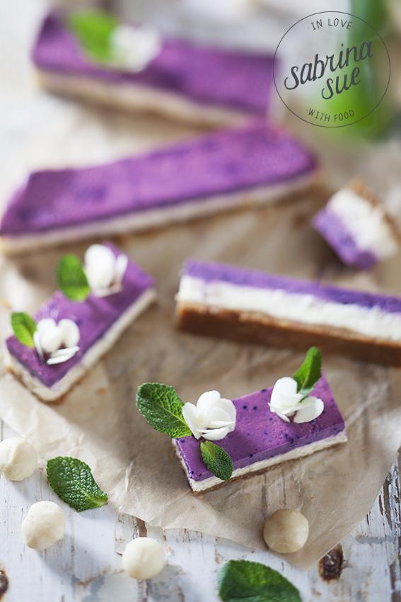 macadamia white chocolate cheesecake bars