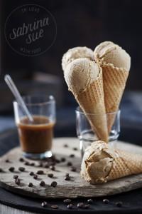 Espresso Karamel Eis
