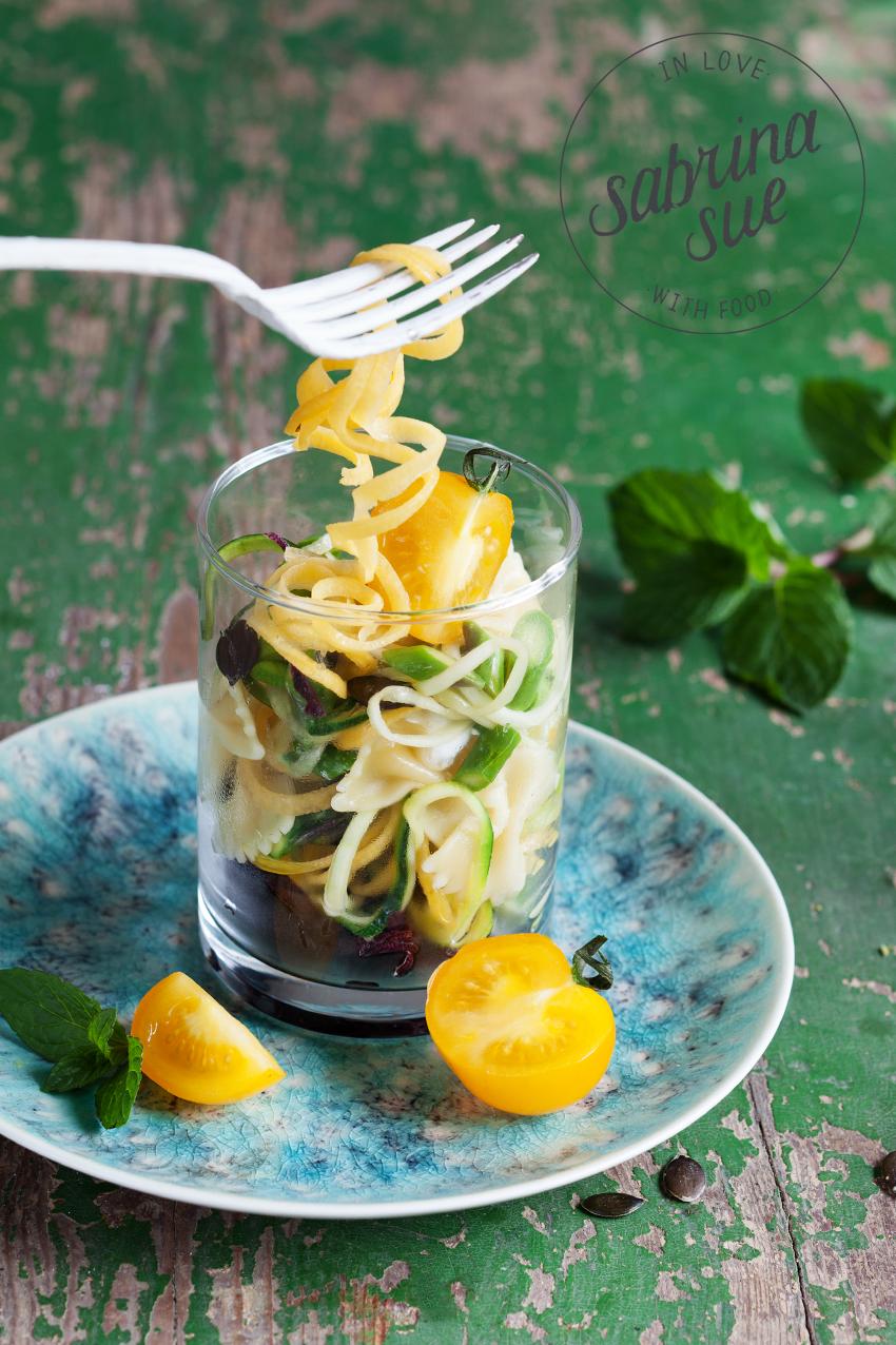 Bunter Gemüse Nudelsalat