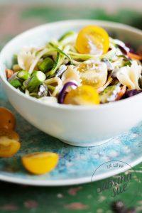 Bunter Gemüse Nudelsalat mit Milram Gewürzquark
