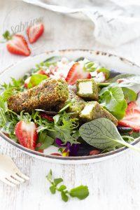 Bärlauch Feta Sticks & Erdbeer-Wildkräutersalat