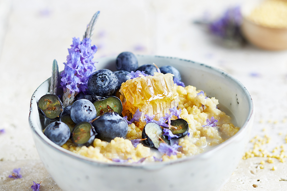 Heidelbeer-Lavendel Hirsebrei