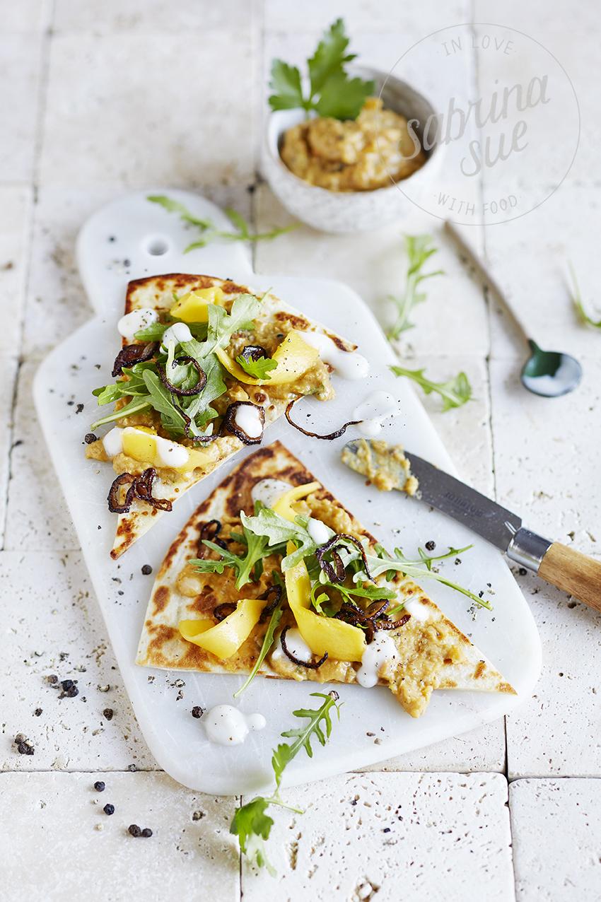 Mango-Rucola Pizza mit Apfel-Bohnen Dip