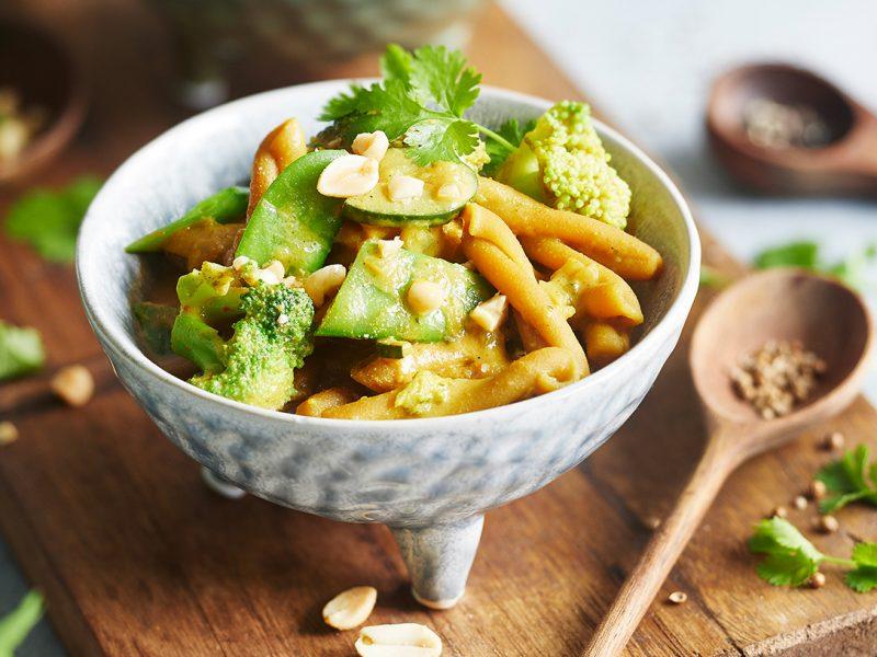 One-Pot-Curry mit Kichererbsen Nudeln