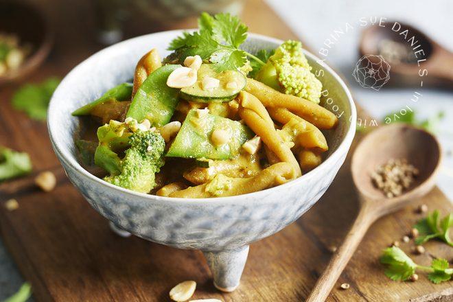 One Pot Curry mit Kichererbsen Nudeln