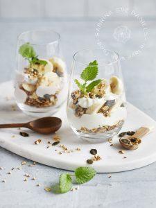 Bananen Dessert mit Skyr und Müsli