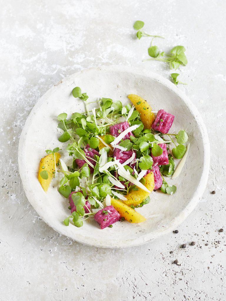 Rote Bete Gnocchi mit Brunnenkresse_Orangen Salat