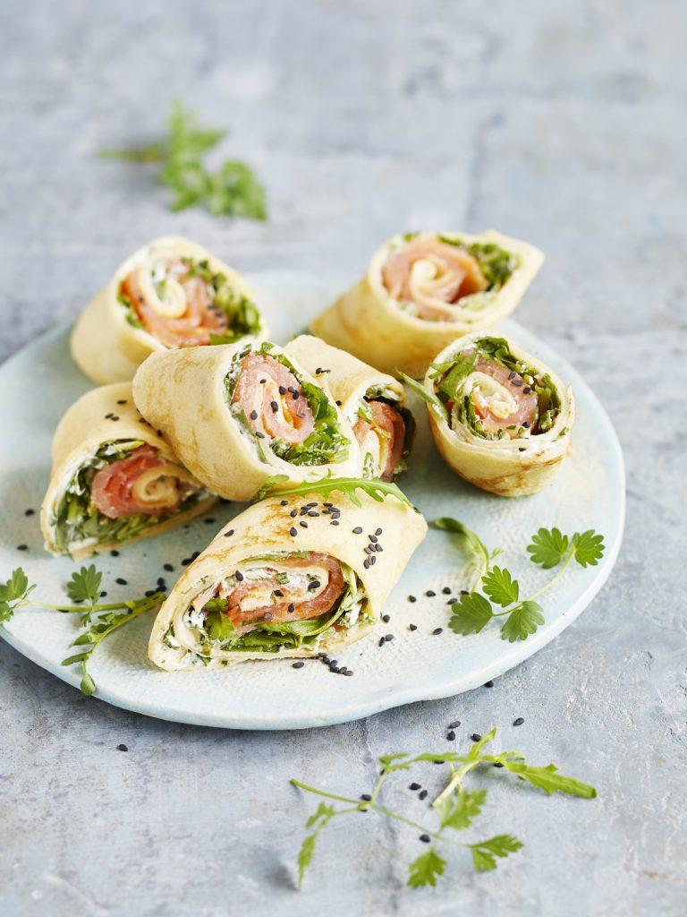 Foodfotografie für Lachs-Rucola Pfannkuchenröllchen