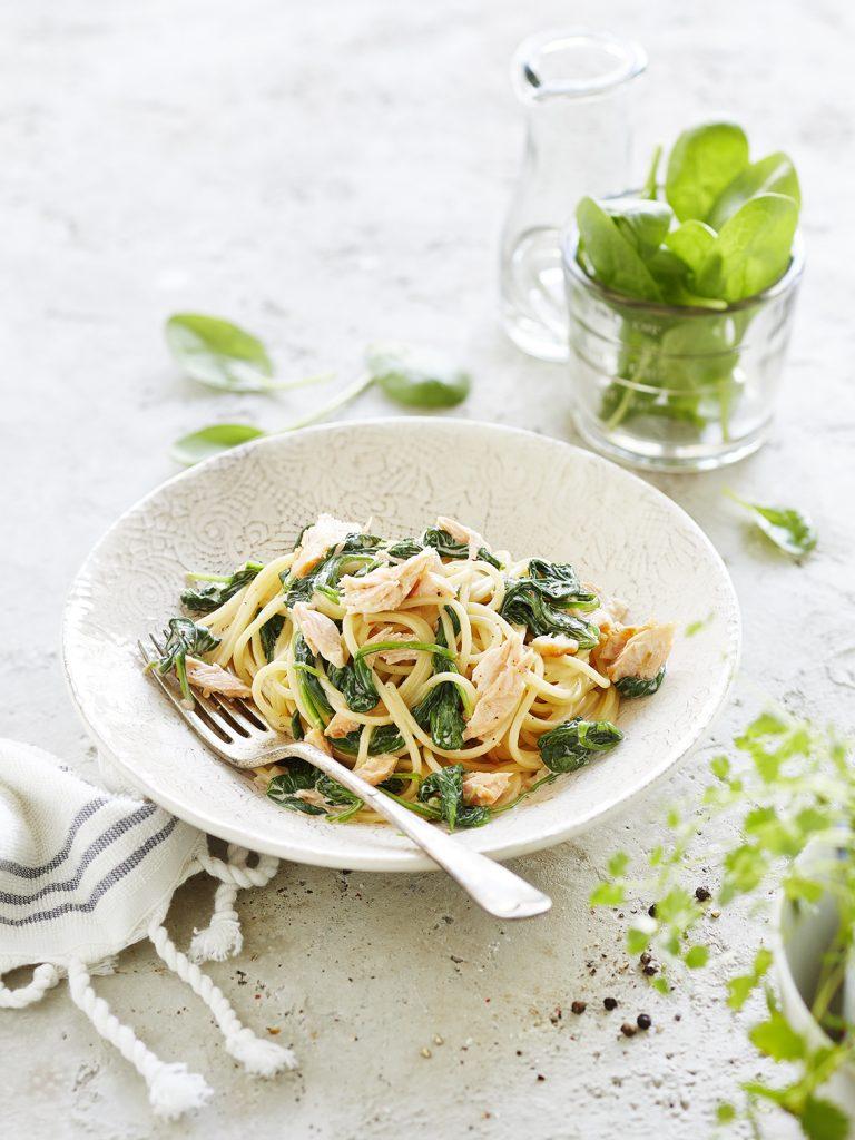 Foodfotografie für Spaghetti mit Lachs und Spinat