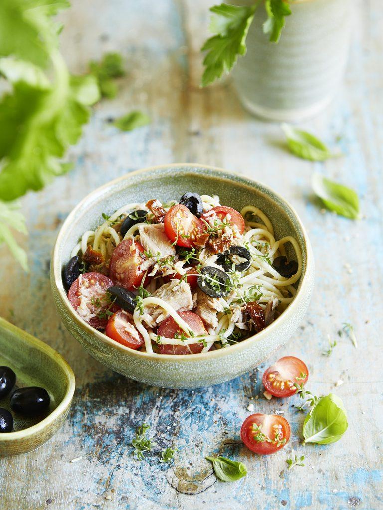 Foodfotografie für Thunfisch-Oliven Salat