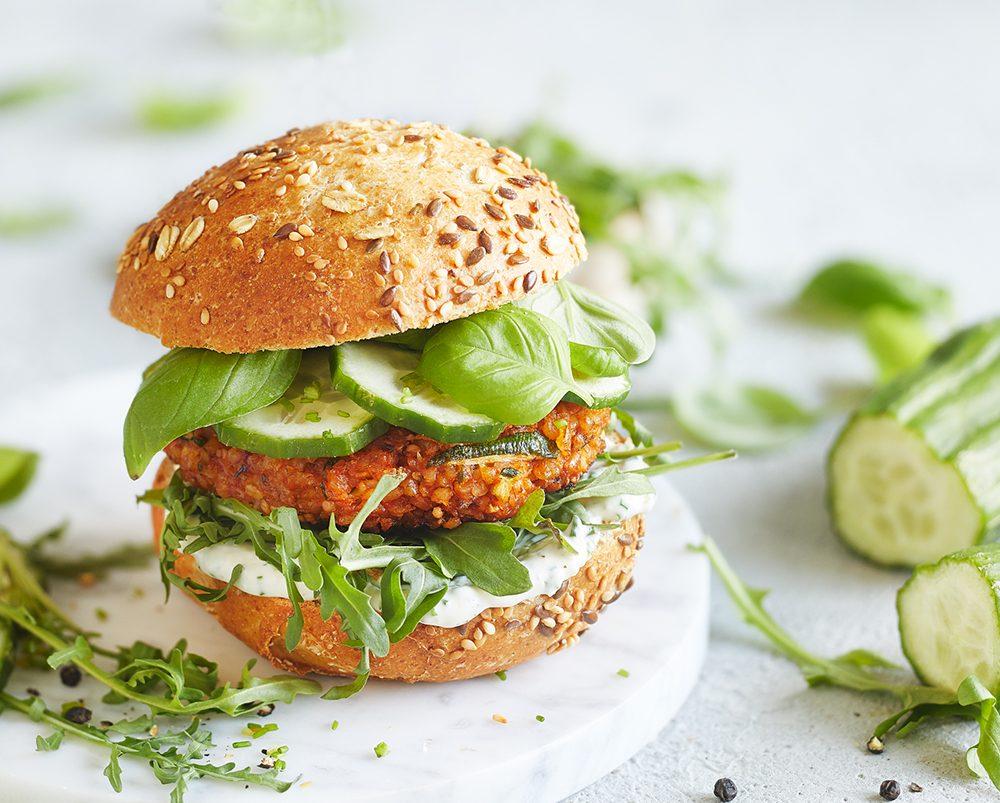 Zucchini-Paprika Bulgur Burger