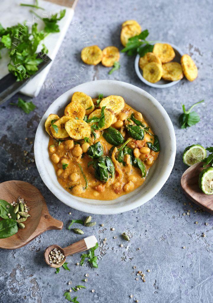 Banana-Curry with lupine
