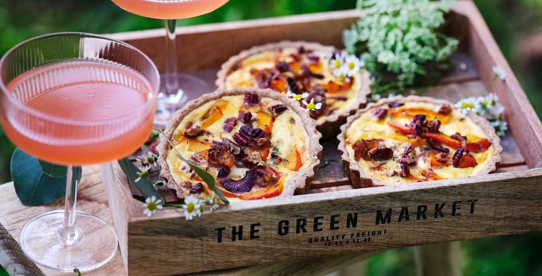 Quiche with pumpkin, red onion and maple syrup